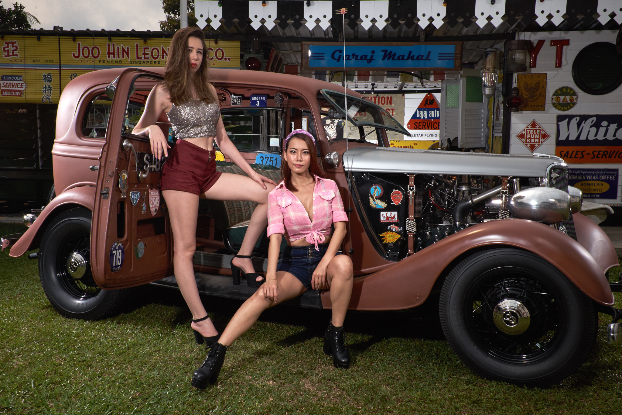girls and hot rods Vintage pin up
