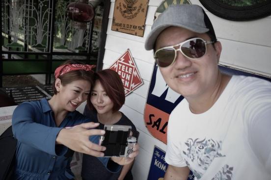 Cheryl and MUA, Jing Lim. Check out cheryl's PINK fujifilm X-A2!