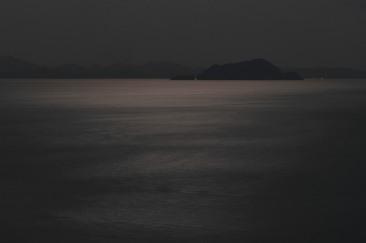 Moon Rise. X-Pro2 + XF90mm. F16 @ 30sec.