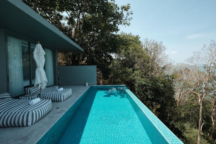 One bed room villa.