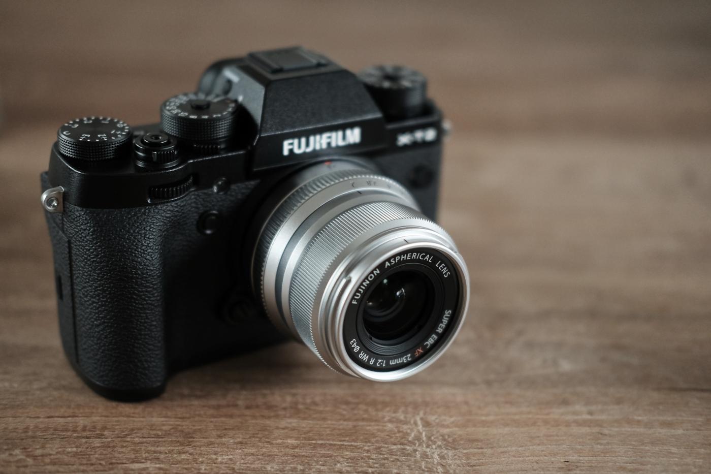 Harga Jual Fujifilm X T100 Body Xf35mm F2 Dark Silver Kamera Kit Xc15 45mm F35 56 Ois Pzdark Pwp Xf35 23mm Vs Sibling Rivalry Ivan Joshua Loh