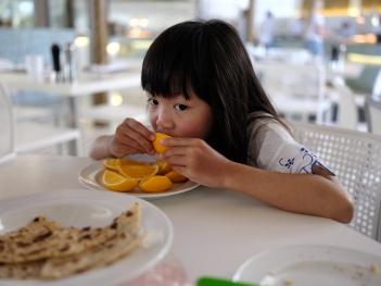 Sweet oranges and Prata....