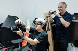 Did I say that Tommy is also a Fuji Fanboy? Here is he with his X70.
